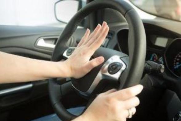 新手开车,怎样才能把车开熟练?插图